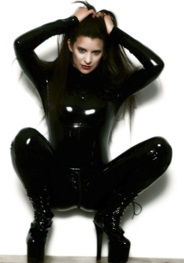 Mistress Sable, A Divine Lady of The OWK, has spent the past 23 years cultivating experience and knowledge of BDSM arts